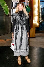 Вероника Хейлбрюннер в платье Chanel на открытии выставки The Store Berlin в Берлине