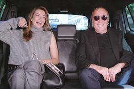 Майкл Корс болтает с подругами в мини-сериале Kors Commute