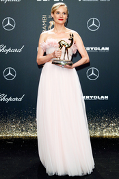 Диана Крюгер в Giambattista Valli Couture на церемонии Bambi Awards в Берлине