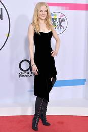 Николь Кидман в Olivier Theyskens на церемонии American Music Awards 2017
