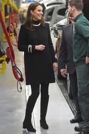 Кейт Миддлтон в пальто Goat в Бирмингеме