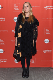 Хлое Севиньи в платье Simone Rocha на кинофестивале в Санденсе