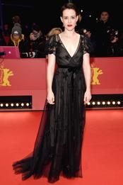 Клэр Фой в Valentino на премьере фильма «Не в себе» в рамках Берлинале