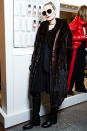 Рената Литвинова в Vetements на открытии корнера Maison Christian Dior в ГУМе