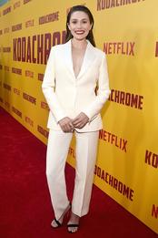 Элизабет Олсен в Dior на премьере фильма «Кодахром» в Голливуде