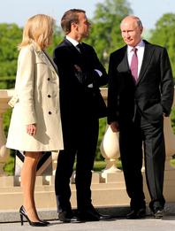 Брижит и Эммануэль Макрон, Владимир Путин в Санкт-Петербурге