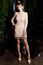 Анна Антимоний в Saint Laurent на ужине Rmy Maritn Carte Blanche в Цехе Изящных Искусств