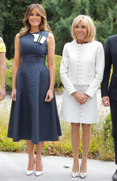 Мелания Трамп в Calvin Klein 205W39NYC и Брижит Макрон в Louis Vuitton на саммите НАТО в Брюсселе