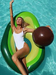 Какие упражнения делать в бассейне