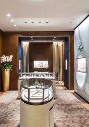 Breguet открыли бутик-музей в ГУМе