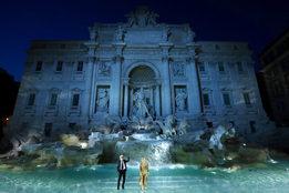 Кутюрный показ Fendi пройдет в Риме и будет посвящен Карлу Лагерфельду