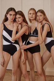 Черно-белые купальники — для ярких и смелых модниц