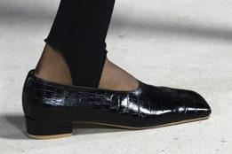 Главные обувные тренды следующего лета на Неделе моды в Лондоне