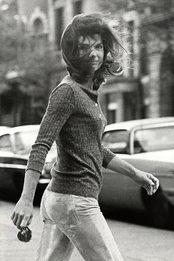 Все о дружбе Жаклин Кеннеди и Андрея Вознесенского узнайте на выставке «Поэт и леди»