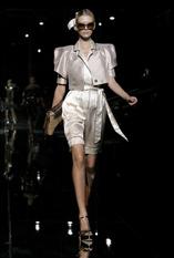 Показ женской коллекции весна-лето 2009 Dolce & Gabbana.