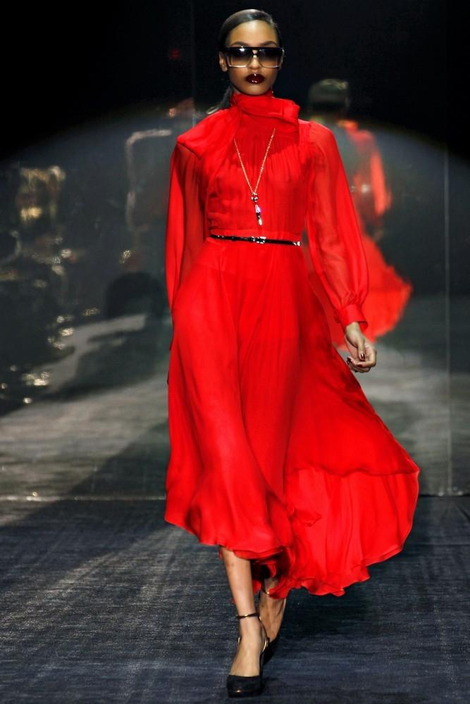 Красное платье от гуччи