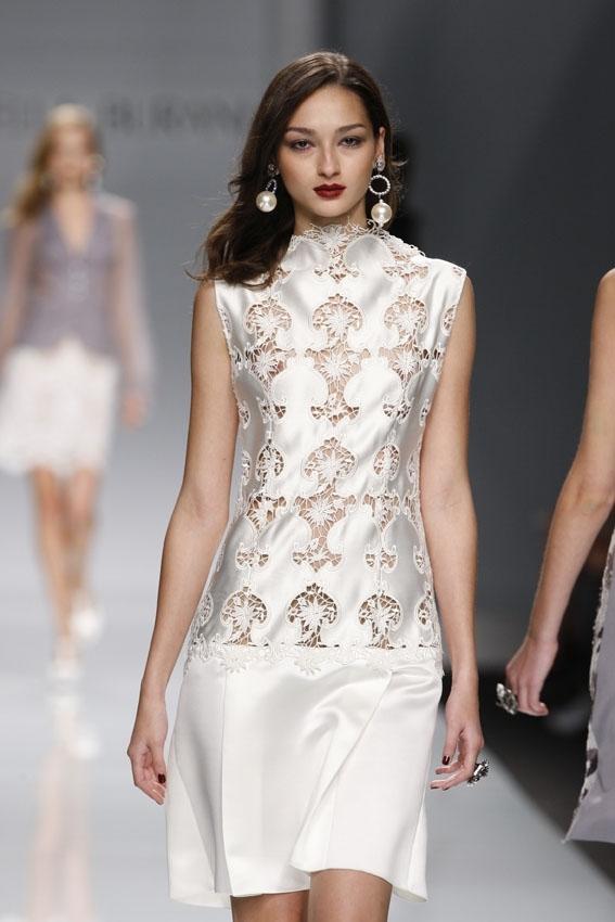 Mariella Burani / Показ женской коллекции одежды весна-лето 2010.